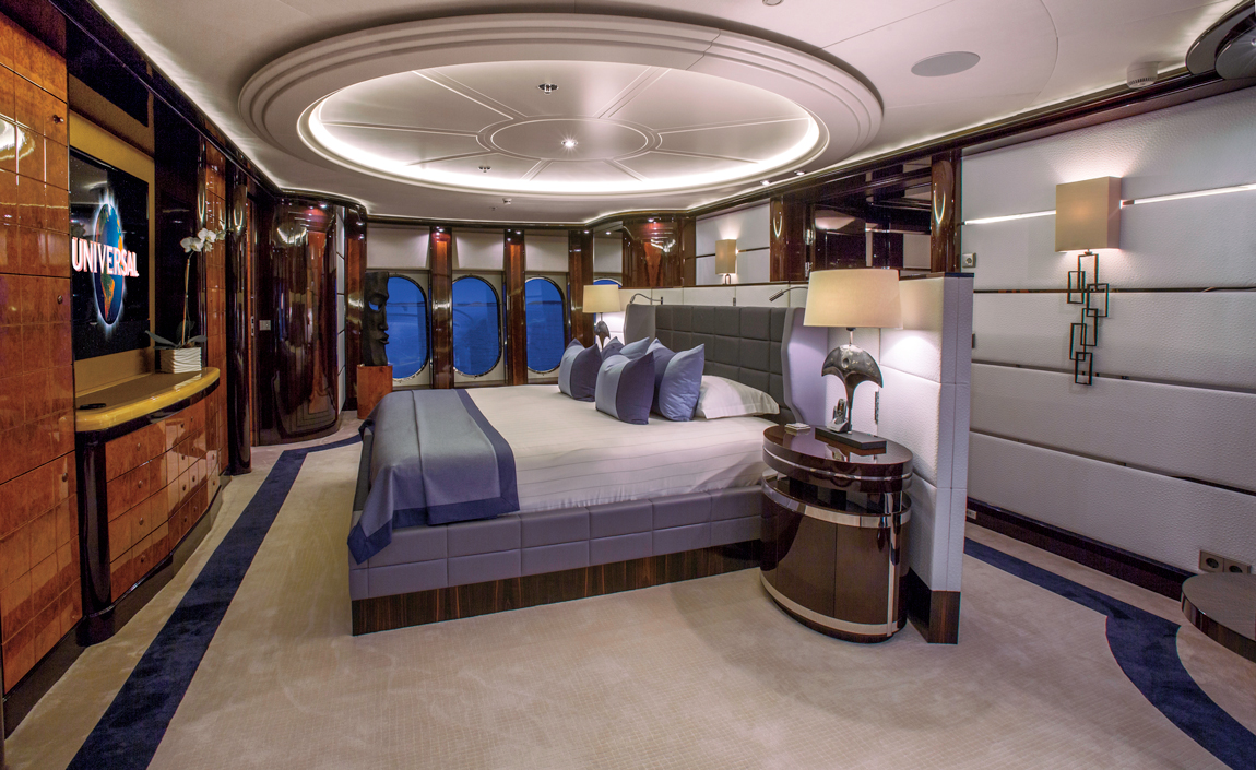 Charter Luxury Super Yacht Dream